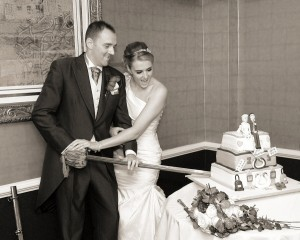 Evening cake cutting with guests